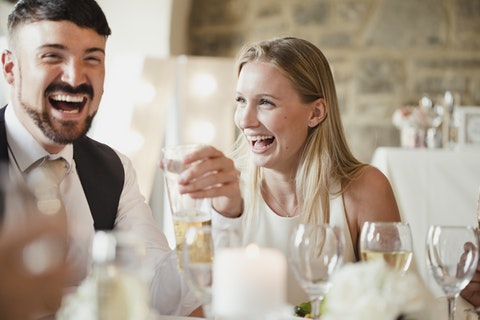 17 fun and unique ways to entertain your wedding guests
