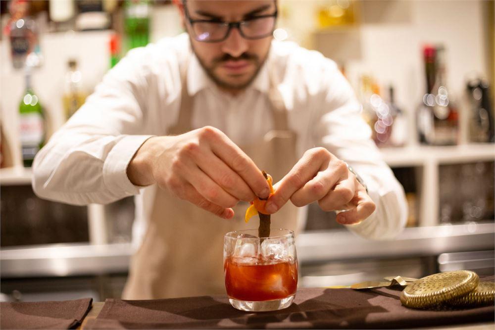 Kahani cocktail making