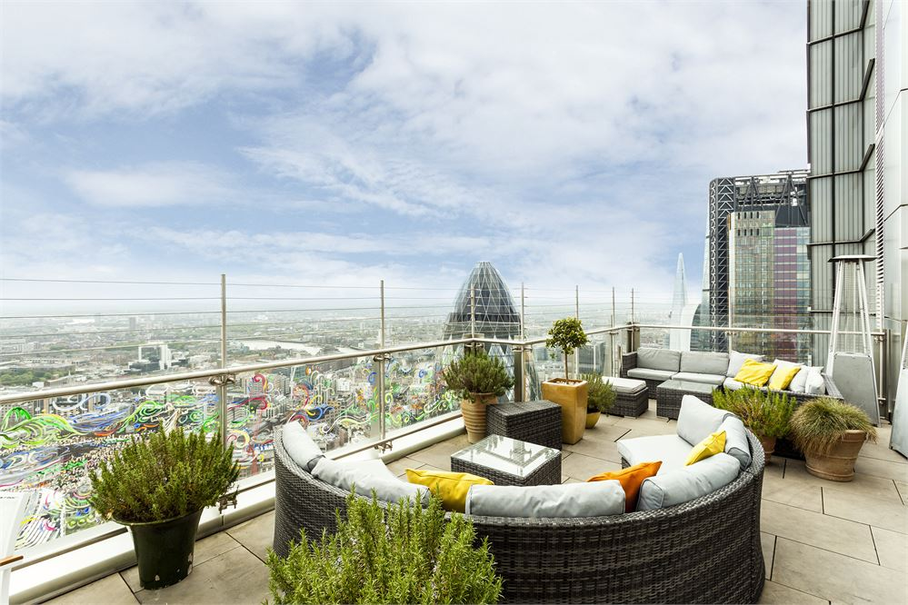 The terrace at Sushisamba City