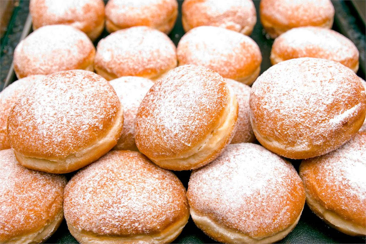 1,000 free doughnuts are being given away in Kensington