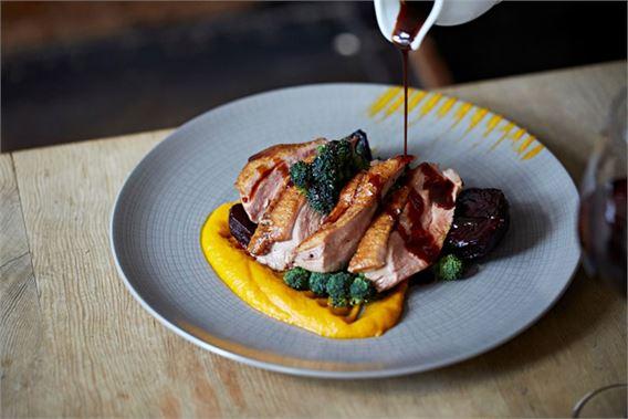 Best Restaurants in Wimbledon The Fox & Grapes