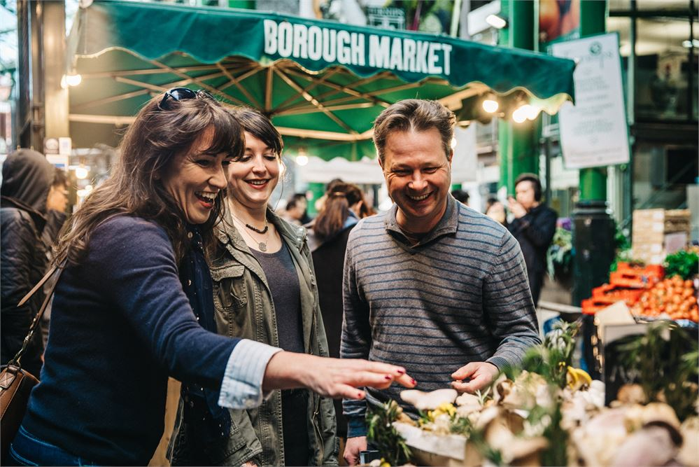 Shangri-La guests can now enjoy cooking classes using produce from Borough Market