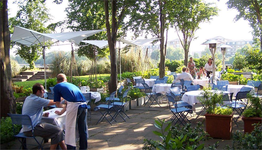 Michelin star restaurants London The River Cafe