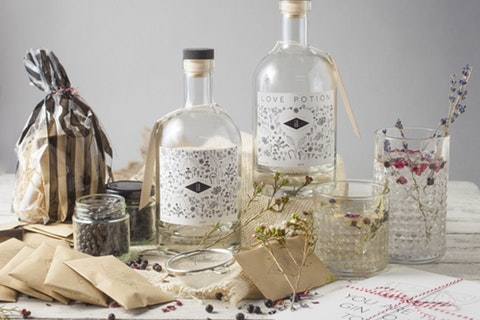 Crafty Christmas activities that make the perfect party precursor