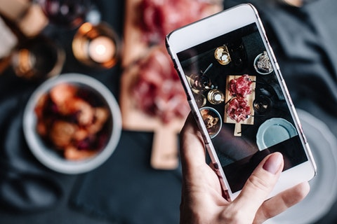 An Instagram Influencer gave a restaurant a one-star rating because they didn't receive a discount