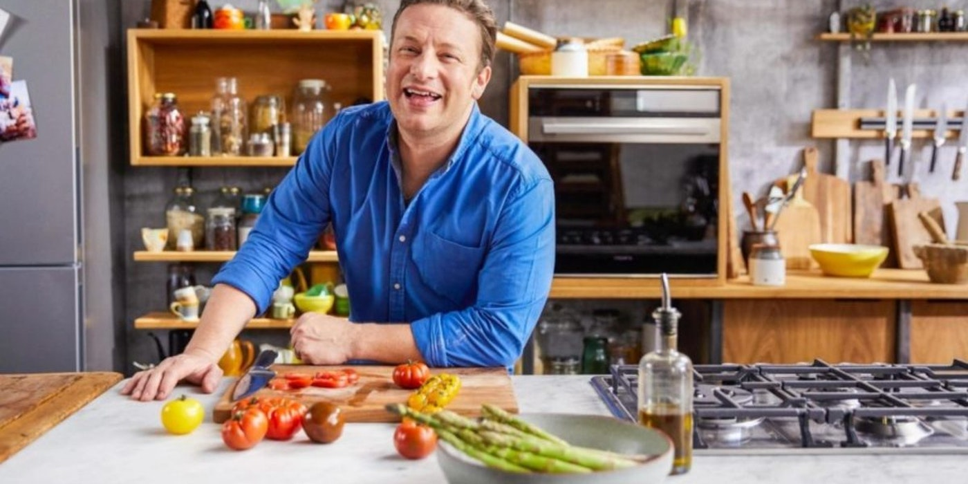 "Jamie Oliver admits to using iPad to ""hypnotise"" his son into eating"