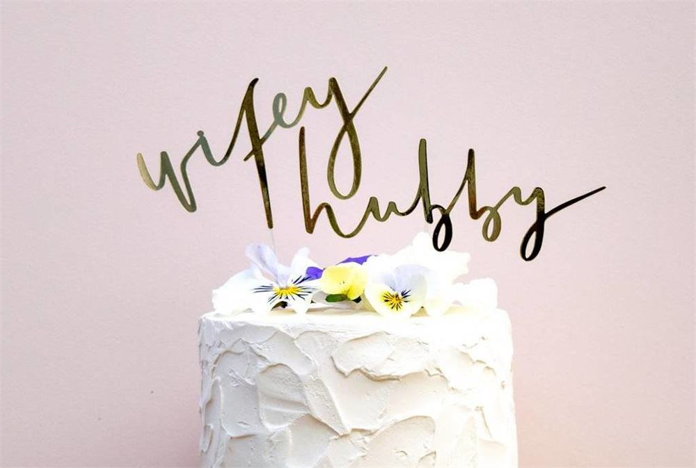 Wedding cake toppers: 25 Unique designs to transform your wedding cake