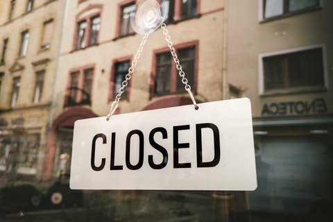 All restaurants in the UK ordered to close immediately