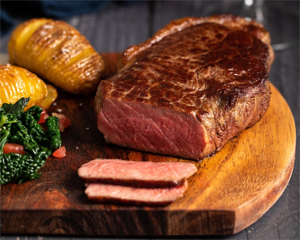 Discover the secret of the UK's top chefs, with Donald Russell steak