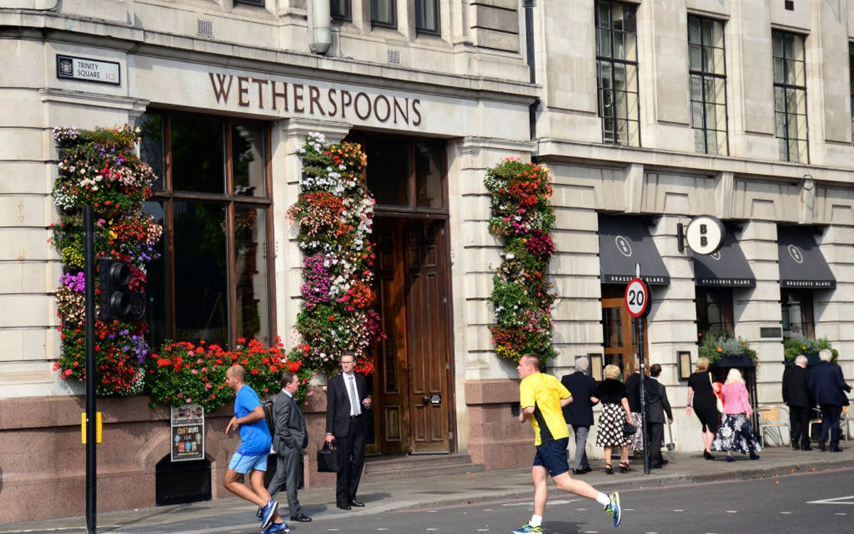 Wetherspoons chef suspended after revealing how dishes are made on TikTok