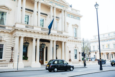 Searcys team up with 116 Pall Mall to launch charitable afternoon tea