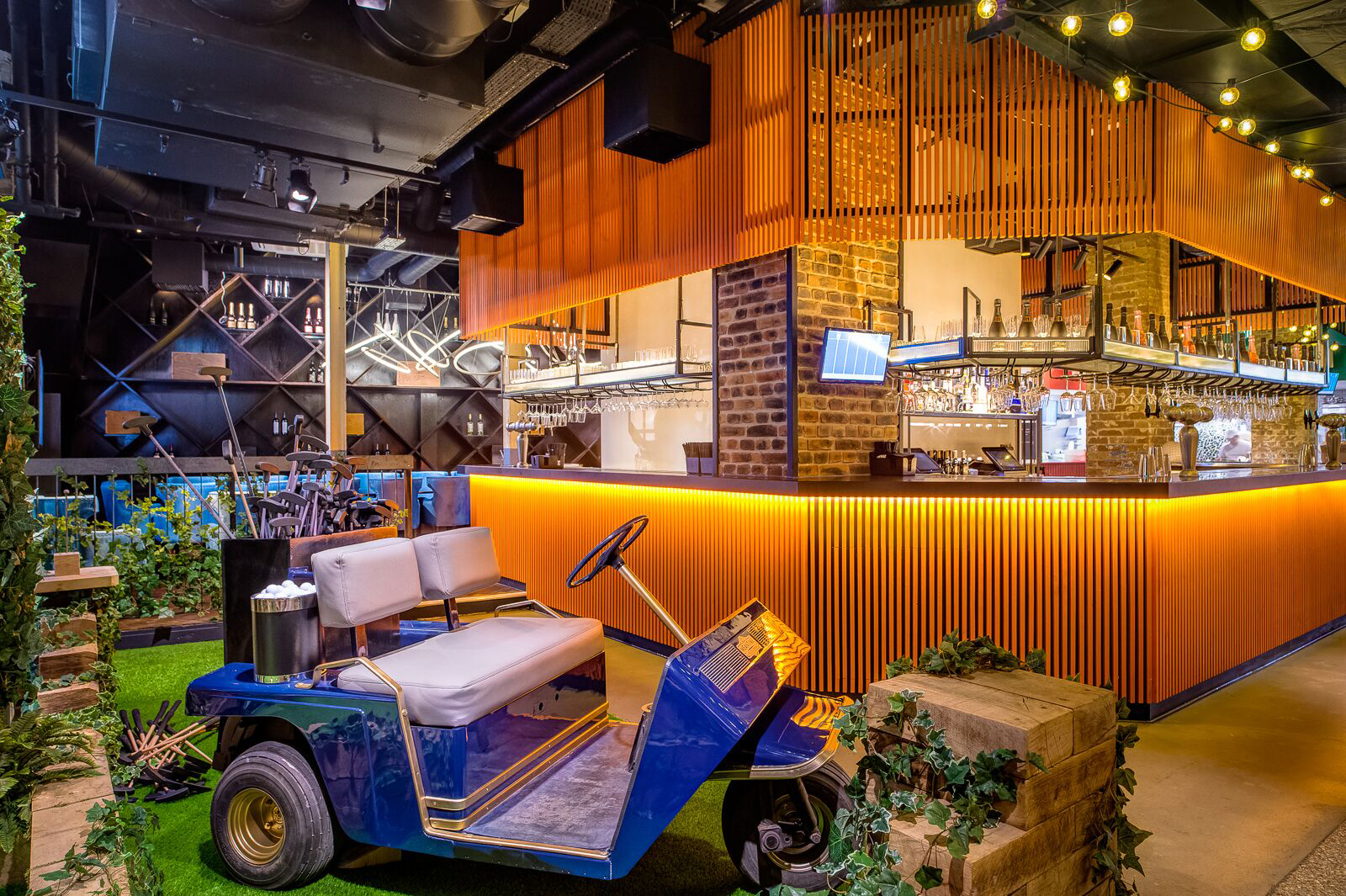 Swingers Crazy Golf London venue hire
