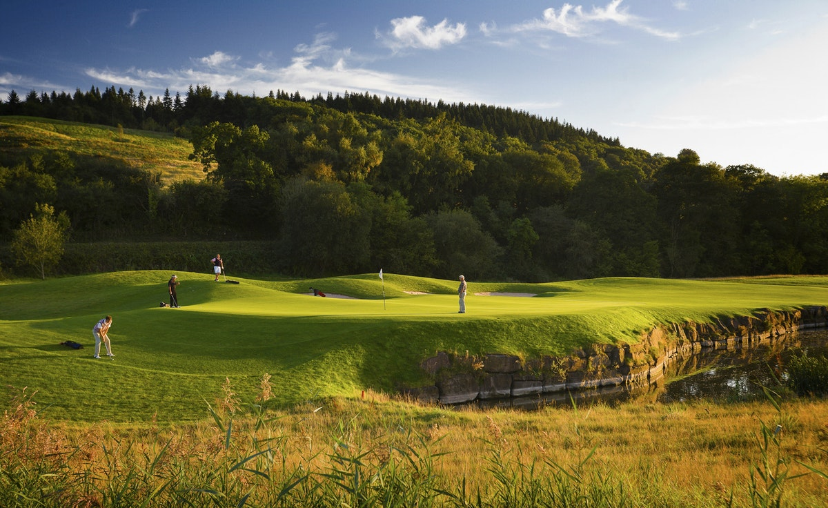 8 great golf courses for groups