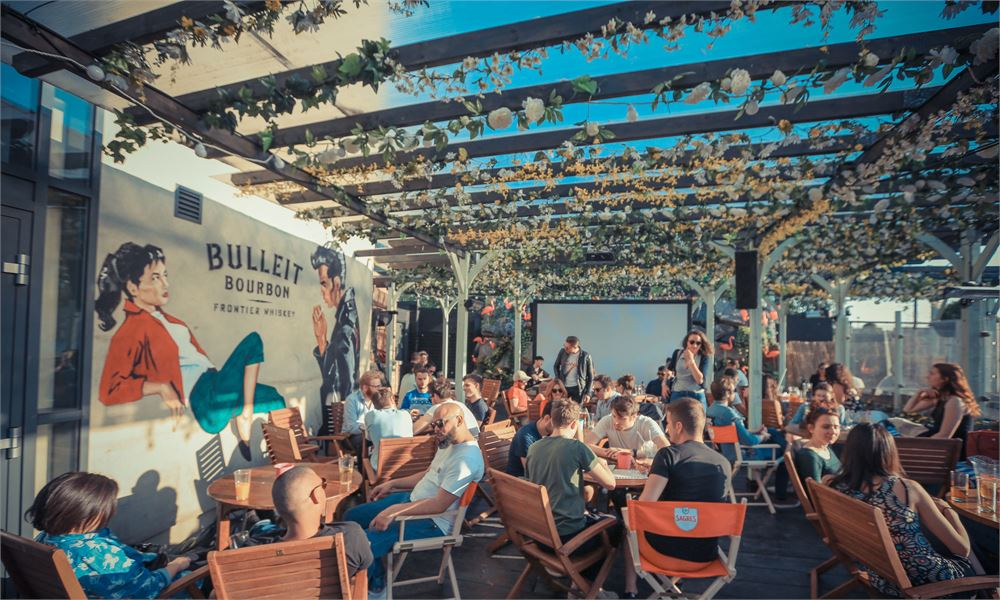 Why we recommend a group outing to Fest Camden Rooftop Cinema