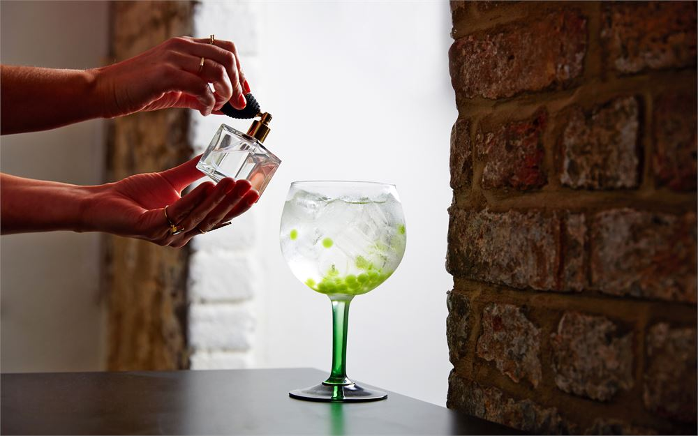 The finishing touches to your Christmas party: Smith & Sinclair will sort you out