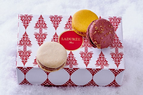These personalised macarons will work a treat as Christmas presents for clients