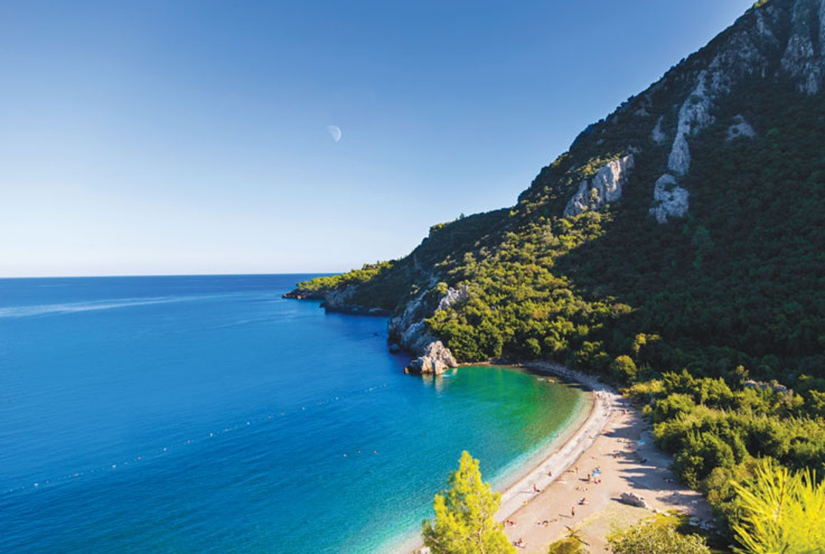 Into the blue: dive in to Antalya