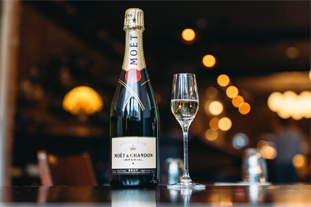 Drink up at Moët & Chandon's 10 Days of Christmas