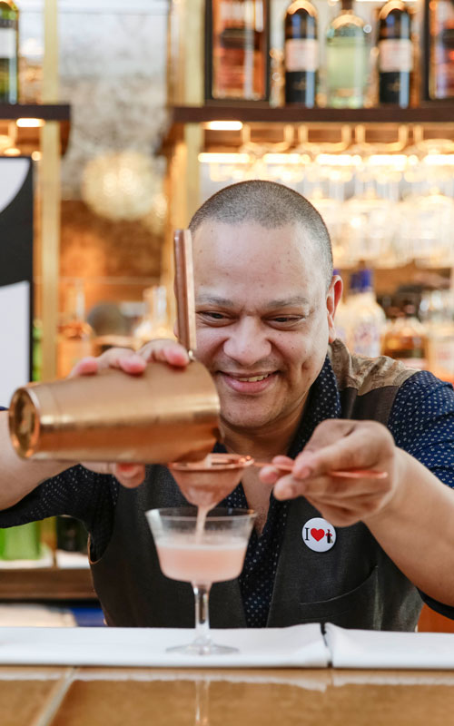Tio Pepe Flavio Prospero bartender mixing