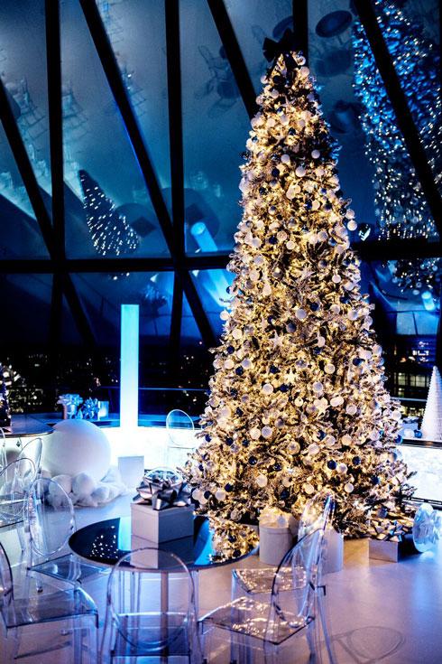Gherkin Snow Globe Christmas pop up event December 2015