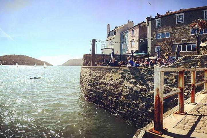The Ferry Inn Salcombe retsaurant bar pub