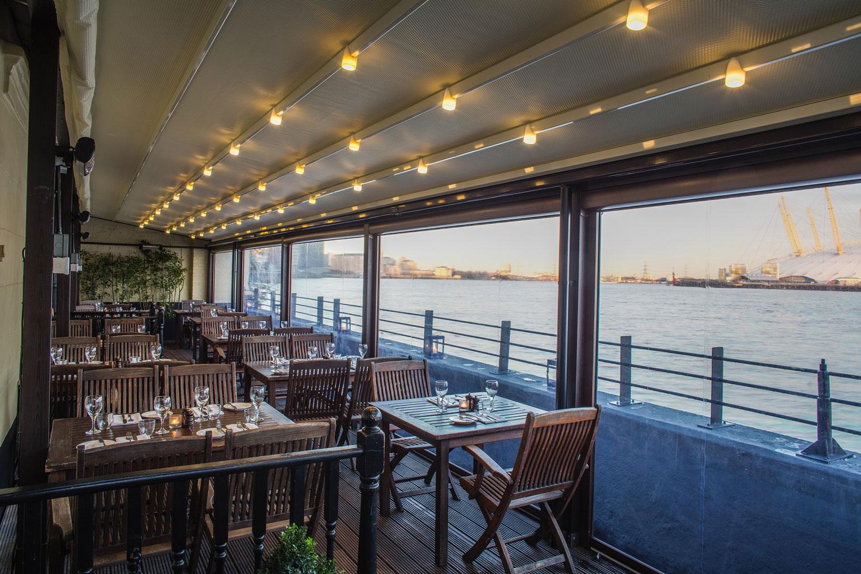 Docklandss London restaurant bars