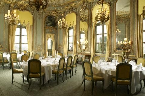 Period drama-inspired wedding venues: Victorian (1837-1901)