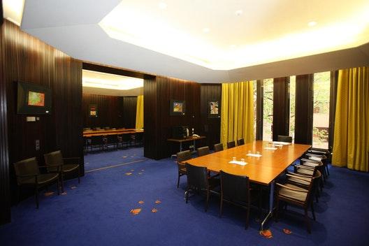 Committee Room 4