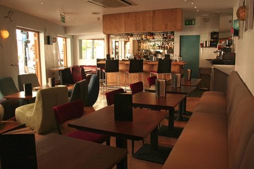 Jetlag Bar & Restaurant