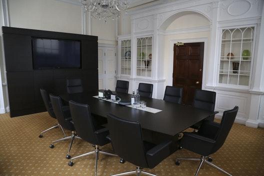 Lord Elliot Room