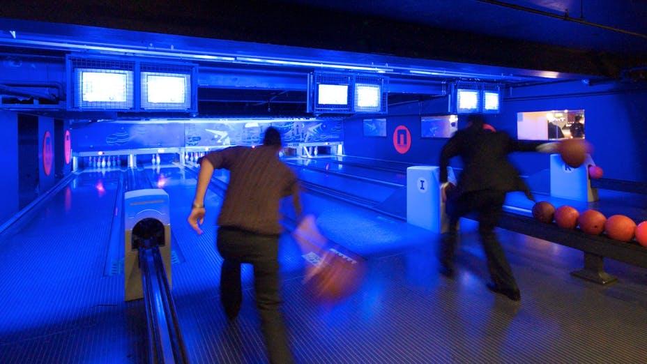 Bowling Lanes at Namco Funscape