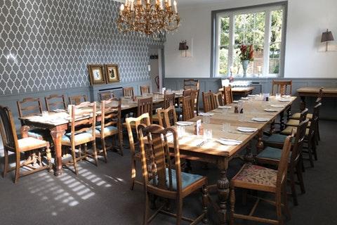 The Fox & Hounds Restaurant & Bar