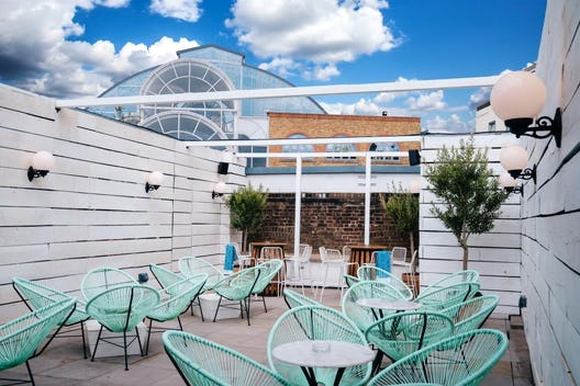 Charming & fully weather proof roof terrace