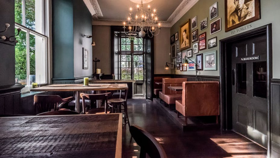 The Canonbury Tavern (bar)