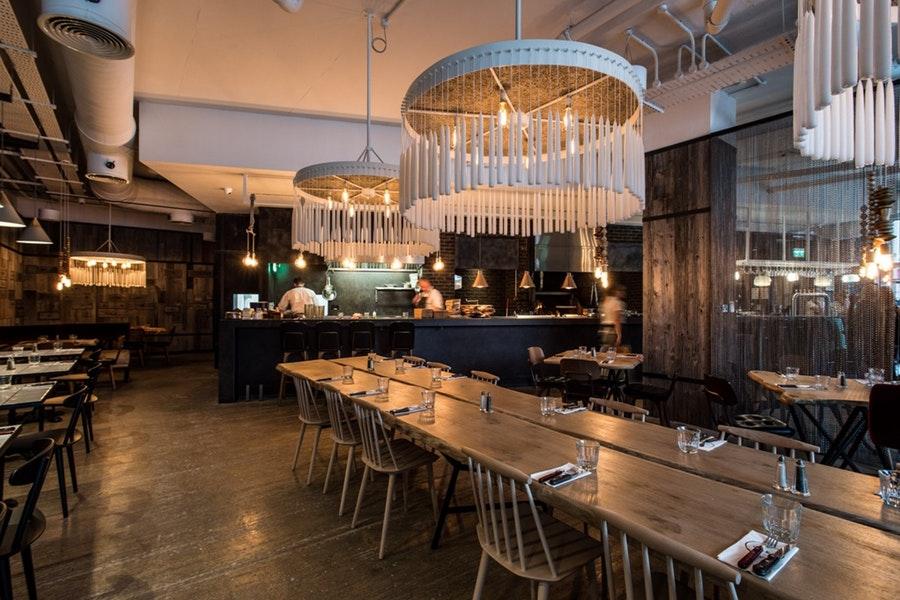 OAKS Restaurant & Bar