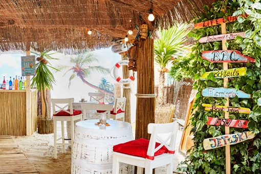 The Beach Bar at The Montague on the Gardens