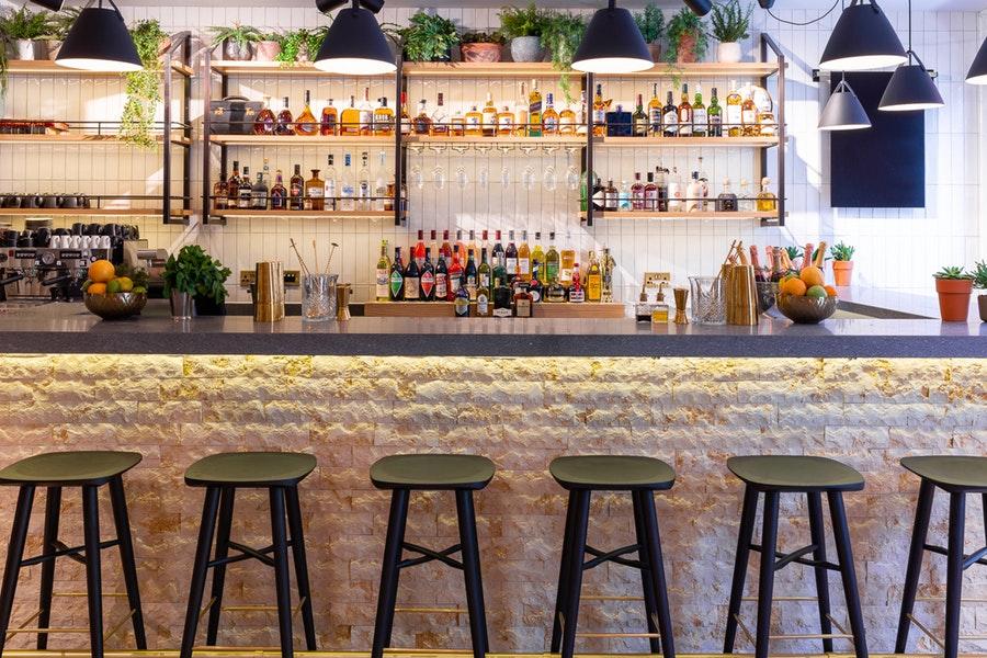 Hans' Bar & Grill - Pavilion Road