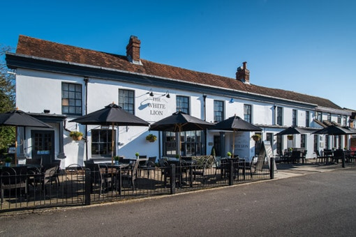 The White Lion - Yateley