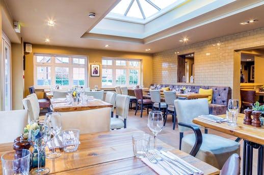 The Golden Ball, Pub & Kitchen