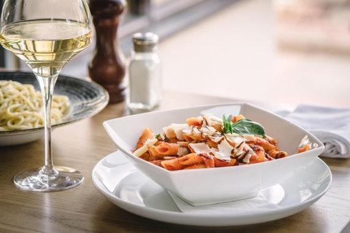 Nicky Tam's Restaurant & Bar @ Glen Mhor Hotel