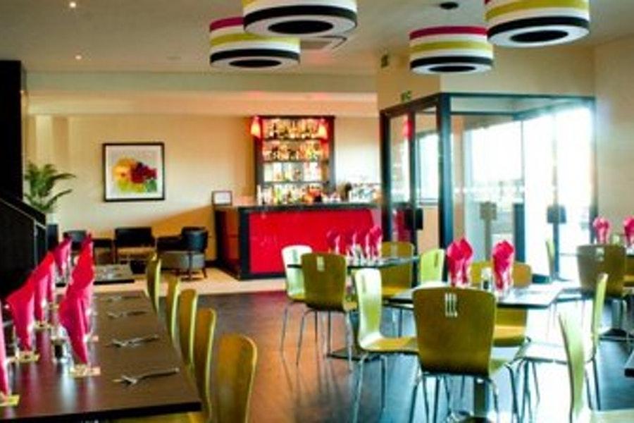 Tratts Pizza Pasta Holiday Inn Express London Heathrow