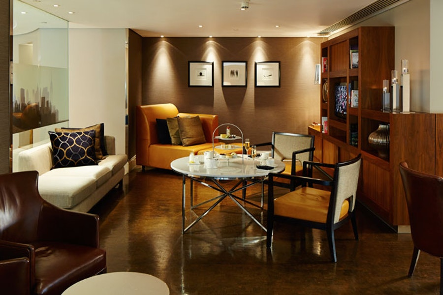 Manhattan G&Tea Lounge at the Marriott Hotel West India Quay