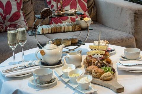 Afternoon Tea at the Holiday Inn London Kensington High St
