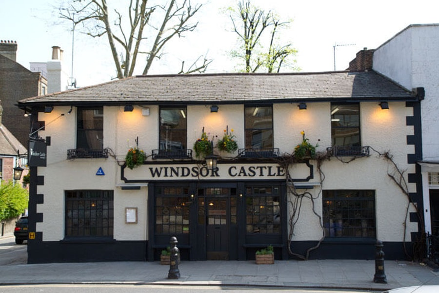 The Windsor Castle - Campden Hill Road