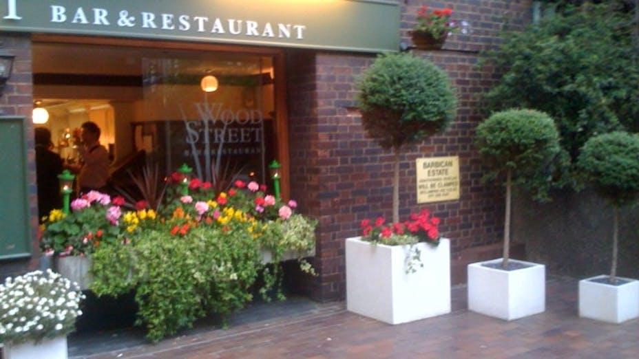 Wood Street Bar & Restaurant
