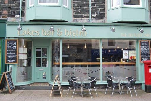 Lakes Bar & Bistro