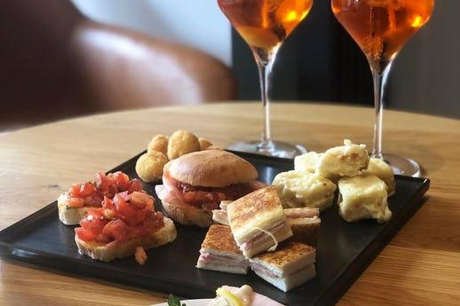 Lello's Italian Restaurant and Bar