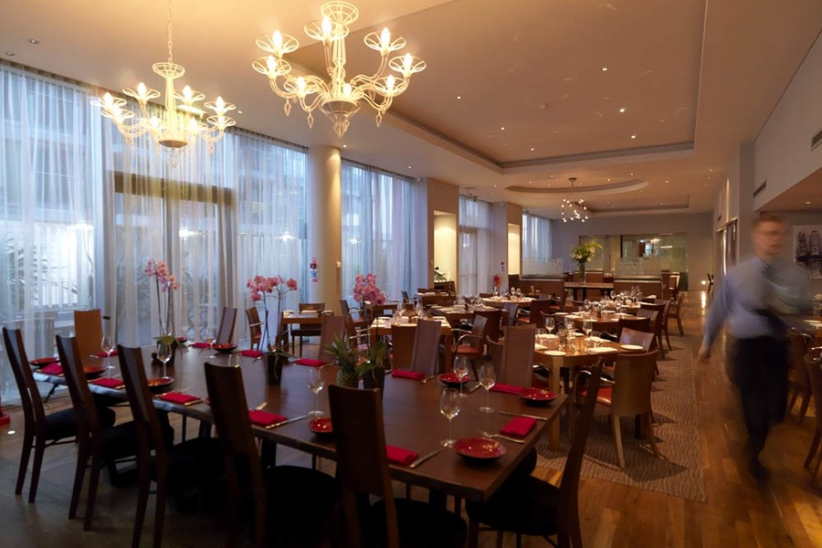 Docklands Bar & Grill at the Crowne Plaza Hotel
