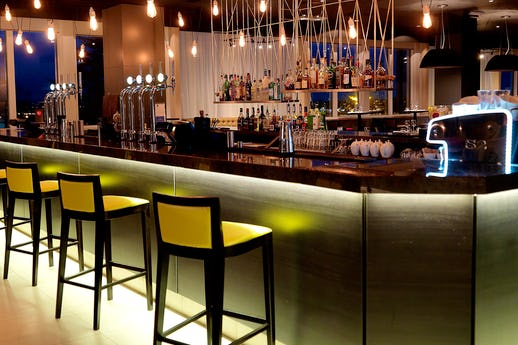Stables Bar and Grill Restaurant @ Crowne Plaza Chester