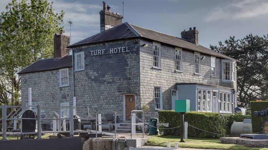 The Turf Pub